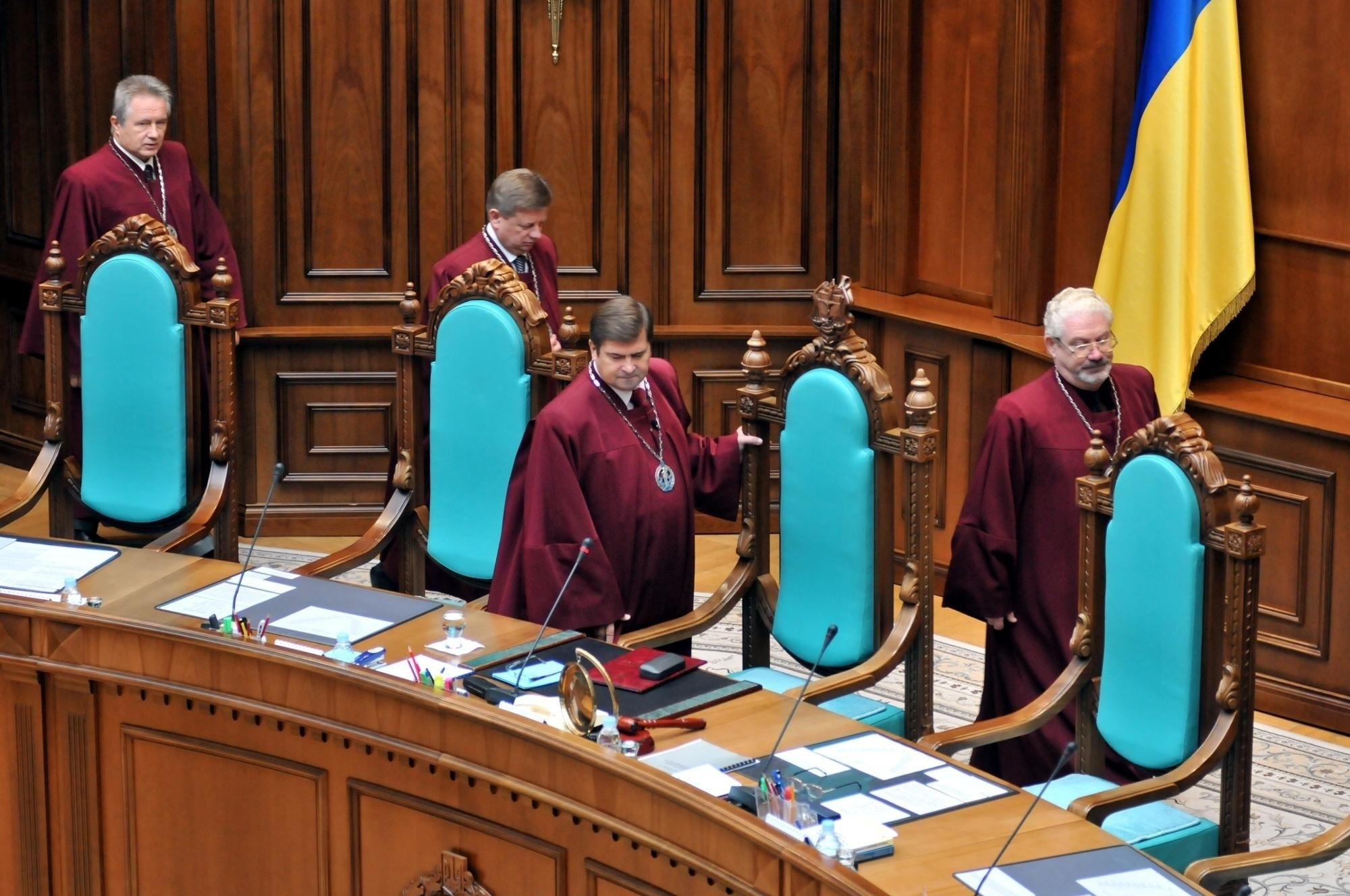 Конституционный суд Украины запретил снимать неприкосновенность с Президента и судей
