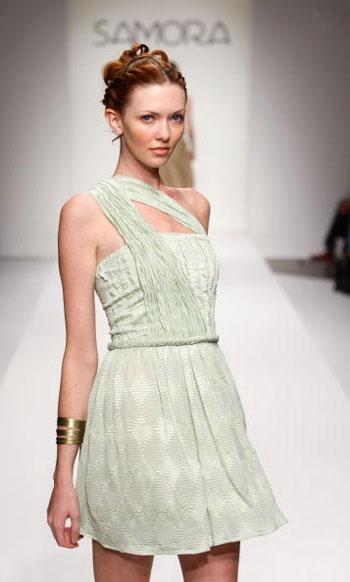 Колекція одягу сезону весна-2008 від Samora на Тижні моди Mercedes-Benz Fashion Week у Калвер-Сіті (Каліфорнія). Фото: Mark Mainz/Getty Images for Samora