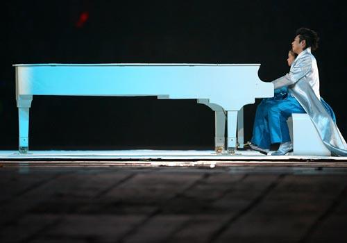 Олимпиаду открывала игра на закрытом рояле. Фото с epochtimes.com