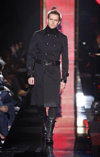 Колекція чоловічого одягу осінь 2008, представлена 2 лютого на тижні моди від Mercedes-Benzв в Нью-Йорку. Фото: Frazer Harrison/Getty Images