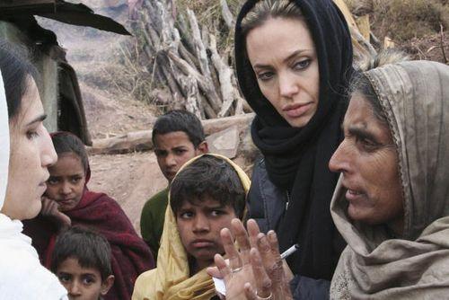Анджелина Джоли / Angelina Jolie. Фото: J Redden/UNHCR via Getty Images