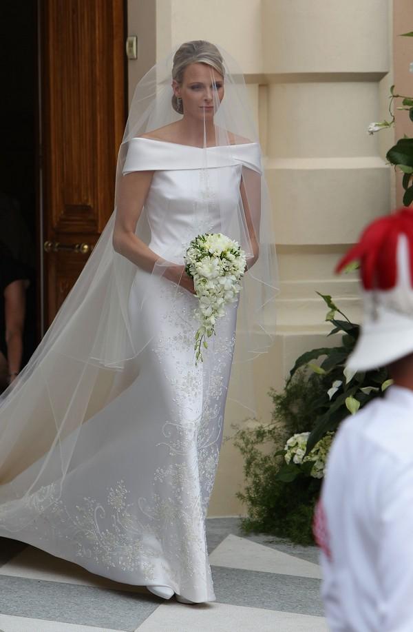 Платье от Armani. Фото: Dan Kitwood/Getty Images