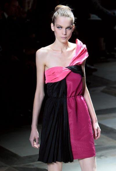 Нова колекція Альбера Ельбаза для Будинку Lanvin на показі Паризького тижня моди 5 жовтня. Фото: FRANCOIS GUILLOT/AFP/Getty Images