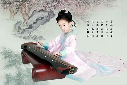 Юная красавица в ханьской национальной одежде. Фото с secretchina.com