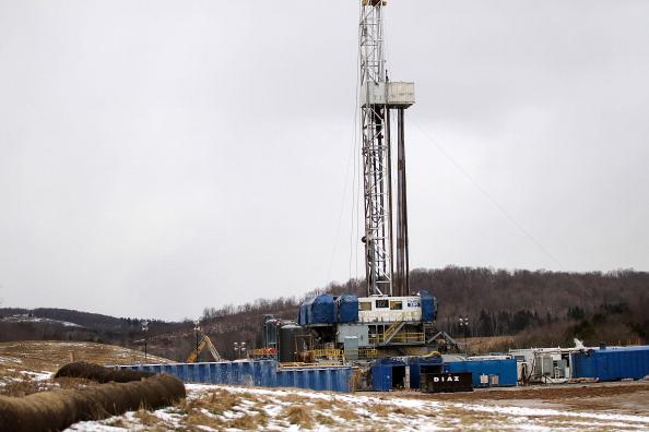 Азаров приглашает инвесторов в украинские газовые проекты