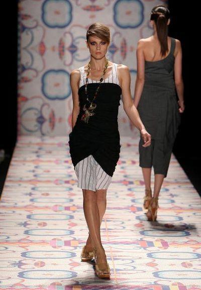 Колекція від дизайнера Nicole Miller на тижні моди Mercedes-Benz у Нью-Йорку. Фото: Scott Gries/Getty Images