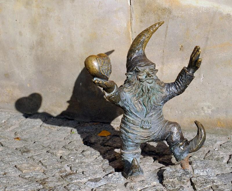 Гном — сердце Вроцлава. Его задача — привлекать туристов. Фото: Claudio Villa/Getty Images