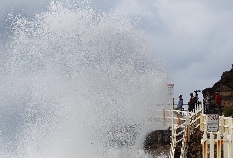 Сидней, Австралия. 6 июня. Сильный шторм настиг Австралию. Проливные дожди и высокие волны вызвали эрозию местных пляжей. Фото: Ryan Pierse/Getty Images