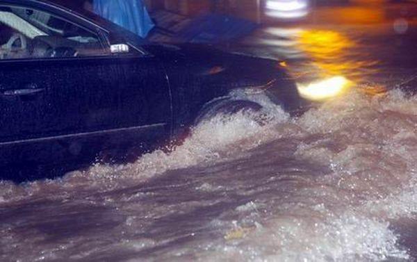 13 июля. Город Чженчжоу после сильного ливня. Фото с aboluowang.com