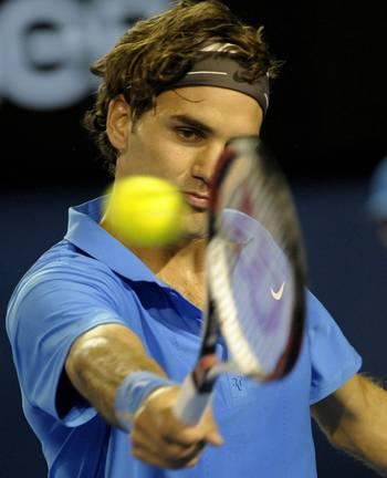 Роджер Федерер (Швейцарія) (Swiss tennis player Roger Federer) під час Відкритого чемпіонату Австралії з тенісу в Мельбурні. Фото: PAUL CROCK/AFP/Getty Images