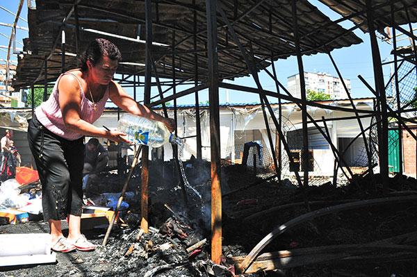 Пожар на рынке Виноградарь полностью уничтожил 56 торговых точек. Фото: Владимир Бородин/The Epoch Times Украина
