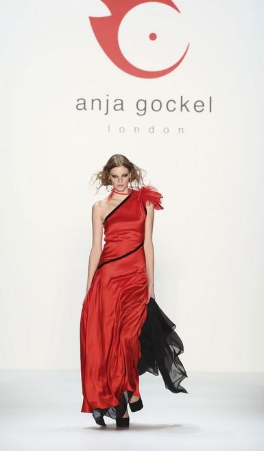 Колекція від Anja Gockel осінь-зима 2010. Фото: Andreas Rentz/getty Images