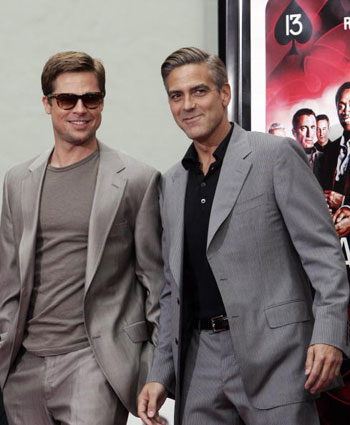 З Джорджем Клуні на прем'єрі фільму «13 друзів Оушена» 5 червня 2007 року. Фото: GABRIEL BOUYS/AFP/Getty Images