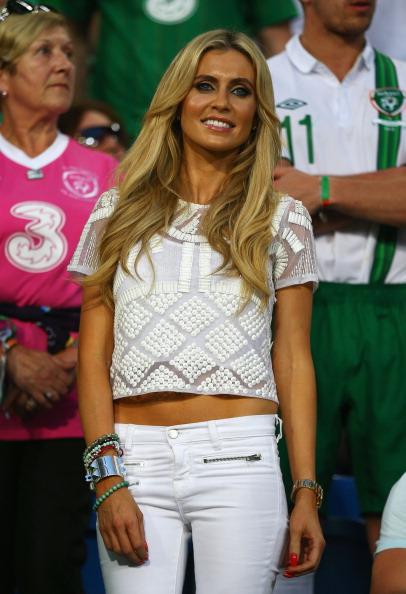 Клаудия Кин, жена Робби Кина из Ирландии, накануне матча между Италией и Ирландией 18 июня 2012 года в Познани. Фото: Clive Mason/Getty Images