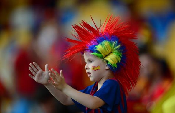 Юный болельщик сборной Испании в парике на финальном матче Испания — Италия, 1 июля в Киеве. Фото: FRANCK FIFE/AFP/Getty Images