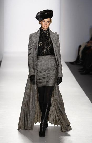 Колекція жіночого одягу осінь 2008 від Памели Роланд (Pamela Roland), представлена 4 лютого на тижні моди від Mercedes-Benz в Нью-Йорку. Фото: Frazer Harrison/Getty Images