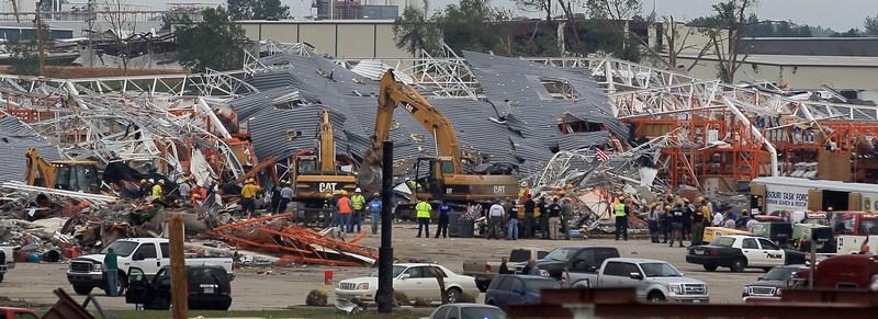 Разрушенный супермаркет Home Depot. Фото: Joe Raedle/Getty Images