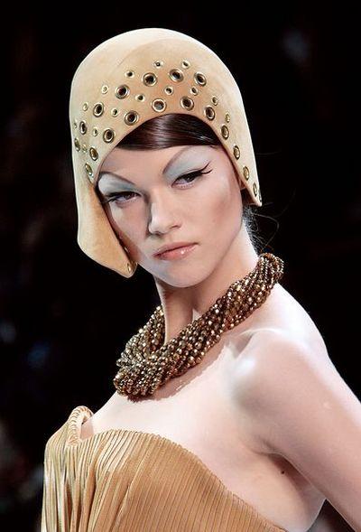 Неделя высокой моды в Париже - CHRISTIAN DIOR осень/зима 2009. Фото: АFP