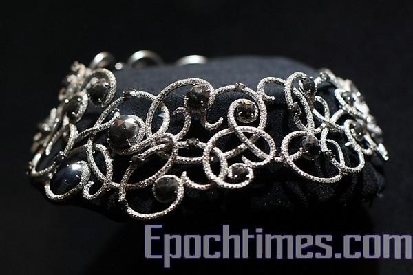 Фотоогляд: Виставка діамантових ювелірних виробів в Королівському музеї Онтаріо в Канаді. Фото: Mufeng/The Epoch Times