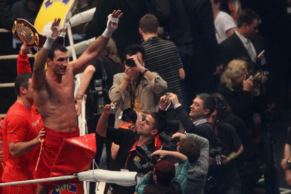Володимир Кличко - Едді Чемберс фото:Lars Baron, Christof Koepsel /Getty Images Sport