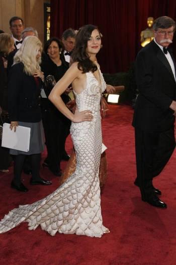 Актриса Марион Котийяр (Marion Cotillard) посетила церемонию вручения Премии 'Оскар' в Голливуде Фото: Vince Bucci/Getty Images