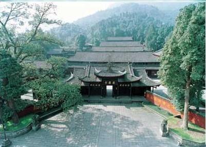 Храм Баого. Гори Емей. Фото з zhengjian.org