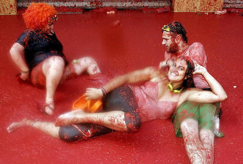 Помідорна битва на фестивалі «Ла Томатина», Буньоль, Іспанія. Фото: Pablo Argente/AFP/Getty Images