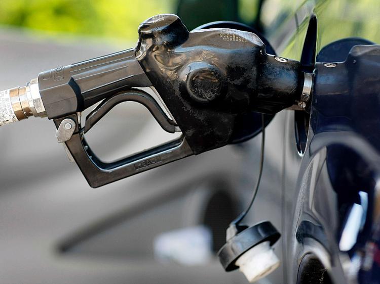 Цены на бензин привязали к стоимости нефти