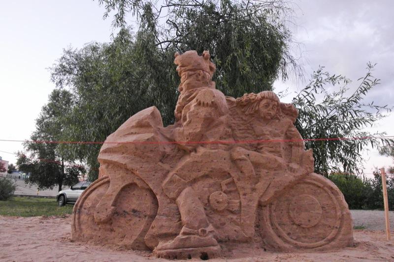 Выставка песочных скульптур открылась на Оболонской набережной в Киеве. Фото: Владимир Бородин/The Epoch Times Украина