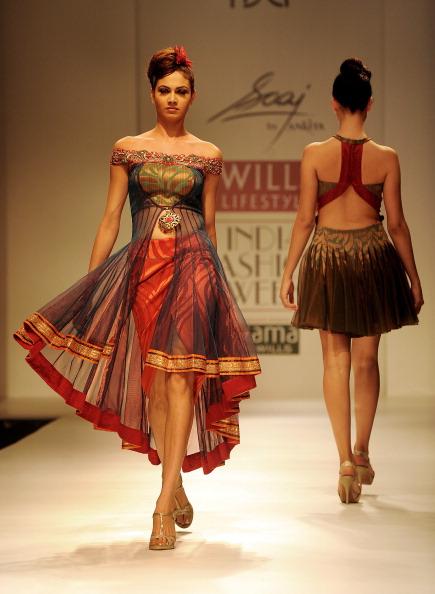 Показ коллекции от Анкита (Ankita) на Недели моды в Индии. Фото: RAVEENDRAN/AFP/Getty Images