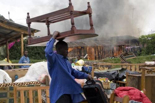 Кения после очередных столкновений Фото: YASUYOSHI CHIBA/AFP/Getty Images