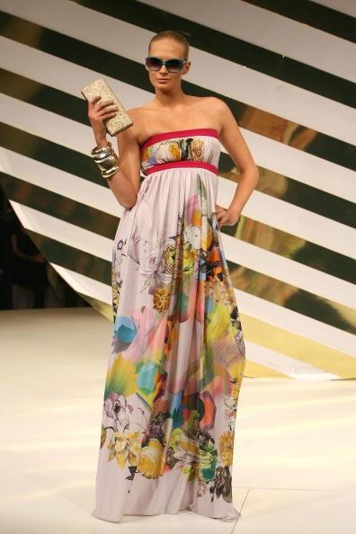 Показ австралийской коллекции Jennifer Hawkins сезона весна-лето 2009. Фото: Sergio Dionisio/Getty Images