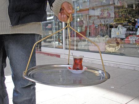 «Бардак» - що турецькою означає склянка. Фото: Олена Підсосонна
