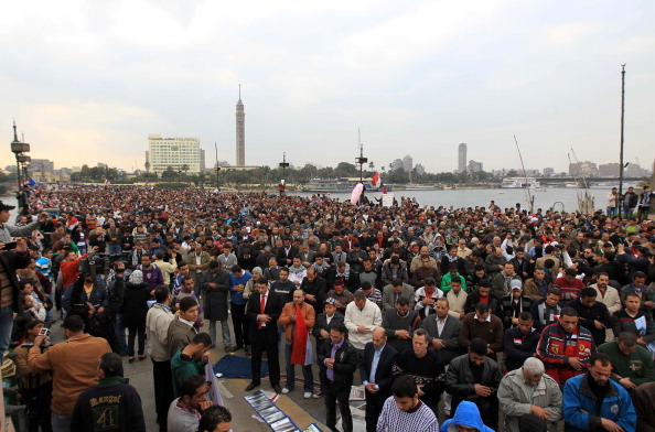 Демонстранты на юге Египта угрожают затопить и оставить без света Луксор и Каир