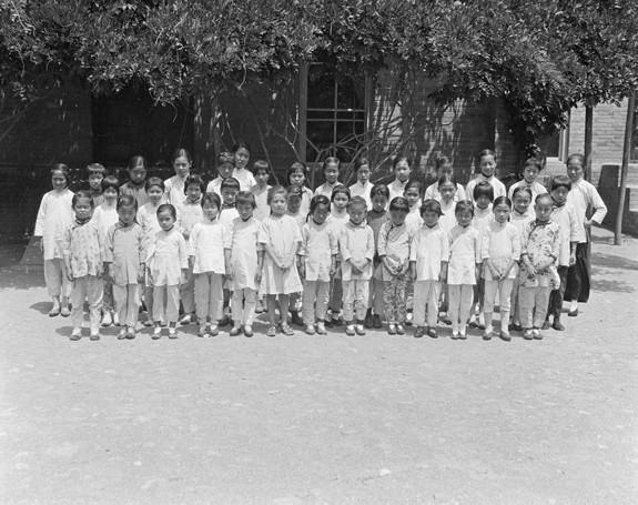 Китайская республика. Ученицы женской христианской школы. Пекин. Фото с aboluowang.com