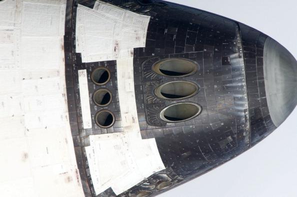 Види шатла «Атлантіс» під час виконання маневру «зворотний перекид». Фото: NASA via Getty Images
