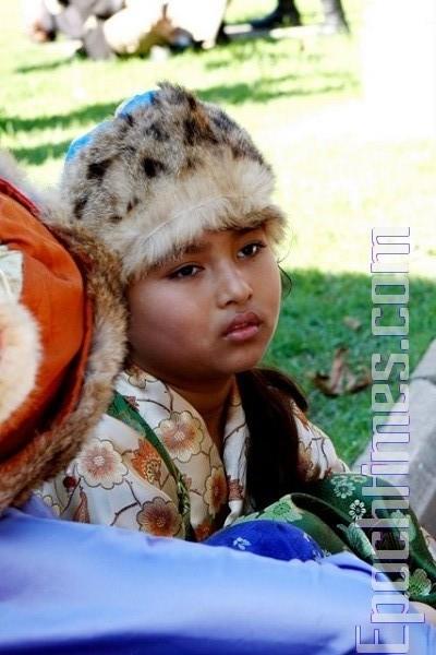 Діти в національному тибетському одязі. Фото: Сунь Ює/The Epoch Times