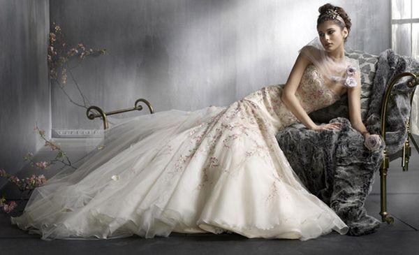 Свадебные платья lazaro 2008. Фото с efu.com.cn.