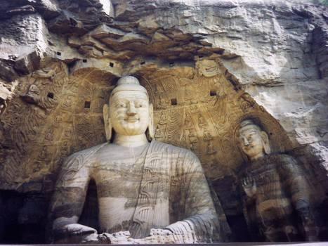 Пещерные храмы Юнкан. Фото с secretchina.com