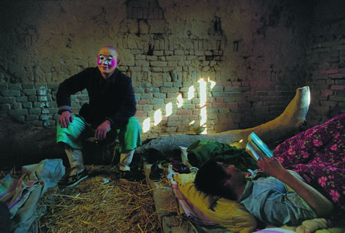 Жизнь артистов провинциального театра. Провинция Хэнань. 1990 год. Фото: Jiang Jian