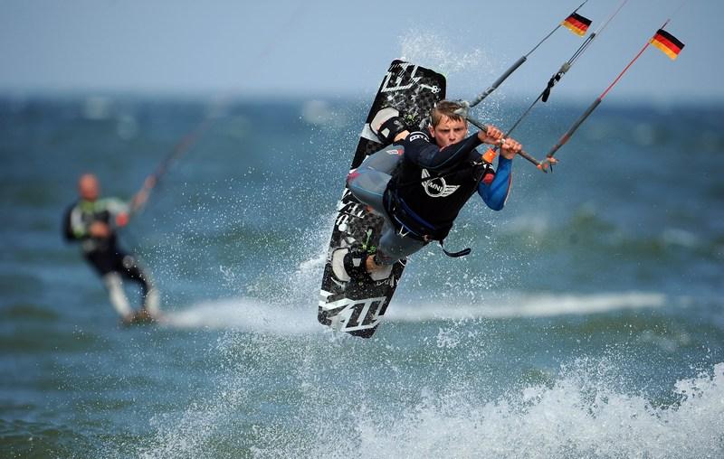 Вестерланд, Германия, 1 июля. На прибрежном пляже проходит чемпионат мира по кайтсёрфингу. Фото: Stuart Franklin/Bongarts/Getty Images