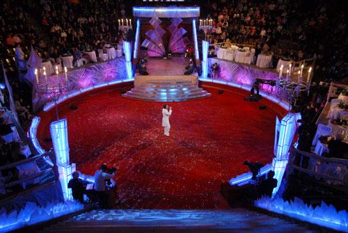 Зіркові вечори зі Стеллою Захаровою проходили у цирку . Фото: Володимир Бородін/Велика Епоха
