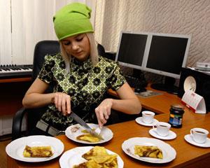 Мика: 'С детства люблю сухие блинчики с творожком, с медом'. Фото: Владимир Бородин/Великая Эпоха