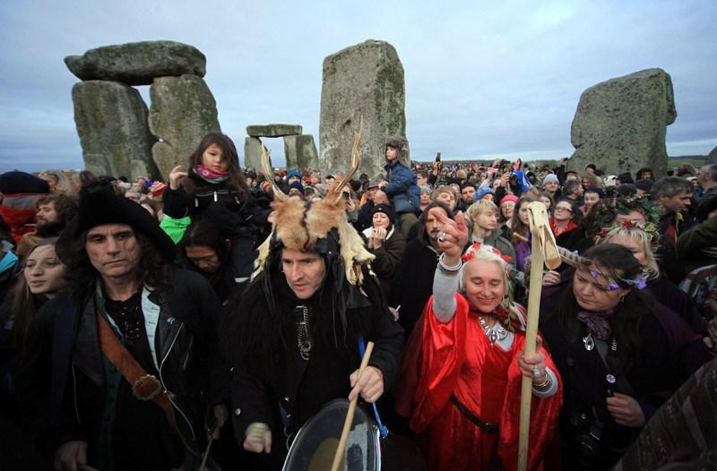 Друиды встретили в Стоунхендже день зимнего солнцестояния. Фото: Matt Cardy/Getty Images