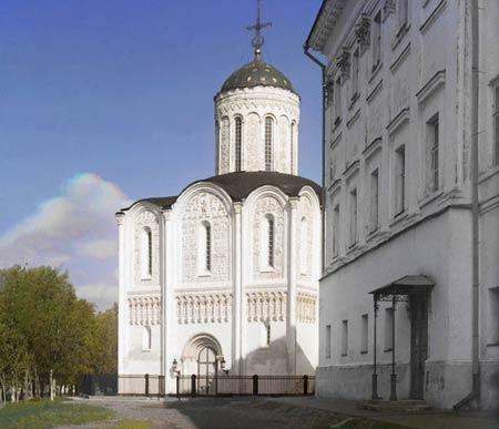 Дмитрієвський собор, Володимир, 1911року Собор Святого Дмитра у Володимирі, побудований в 1190 -х роках, являє приклад вертикальної структури, характерної для ранньої церковної архітектури Росії. Цей собор використовувався як модель при будівництві Ніколь