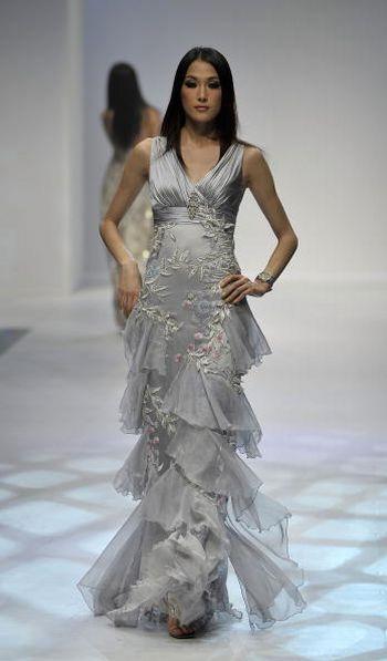 Коллекция женской одежды представленная на показе мод в Гонконге. Фото: Getty Images