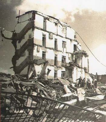 Після землетрусу в Таньшані. 1976 рік. Фото з aboluowang.com