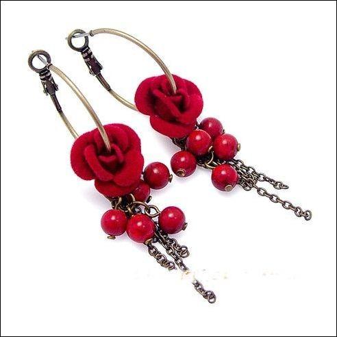 Модні південнокорейські сережки. Фото з epochtimes.com