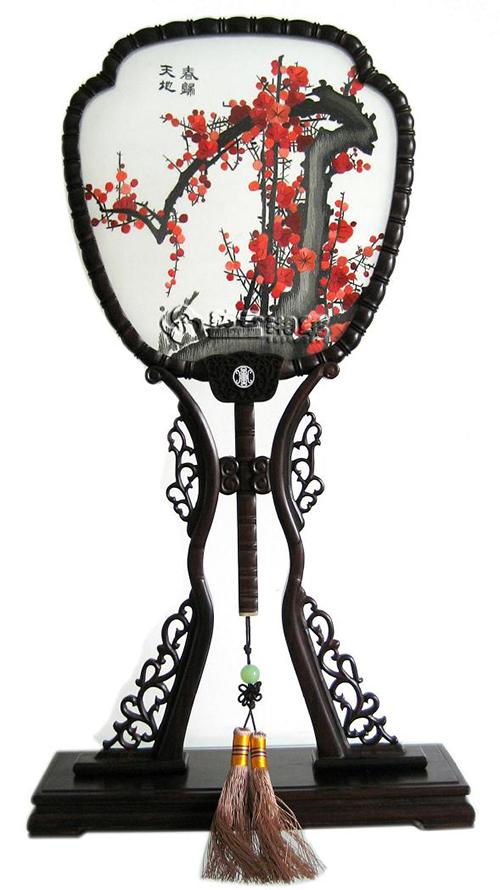 Двусторонняя вышивка. Фото: tootoo.com