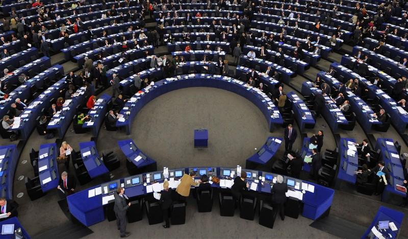 Европарламент принял резкую резолюцию по России